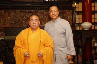 疯狂英语创始人李阳皈依佛门 师从释永信