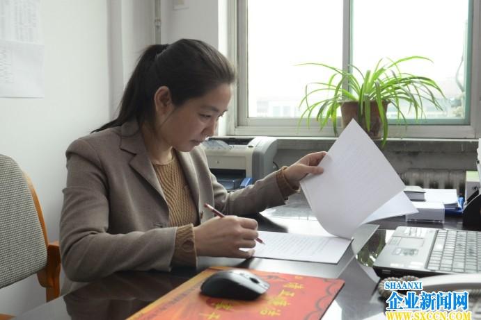 巧思善管的好管家�D记西北电建四公司物资部主任李文萍