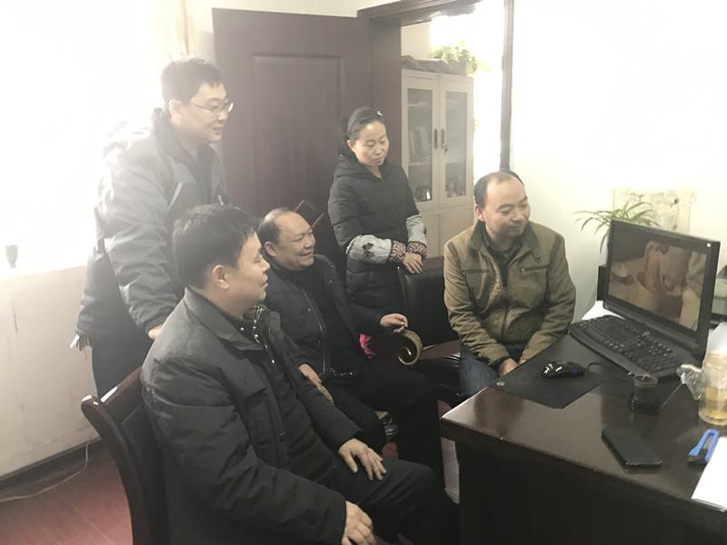 陕建一建集团第一直属项目部党员组织观看《南平红荔》影片