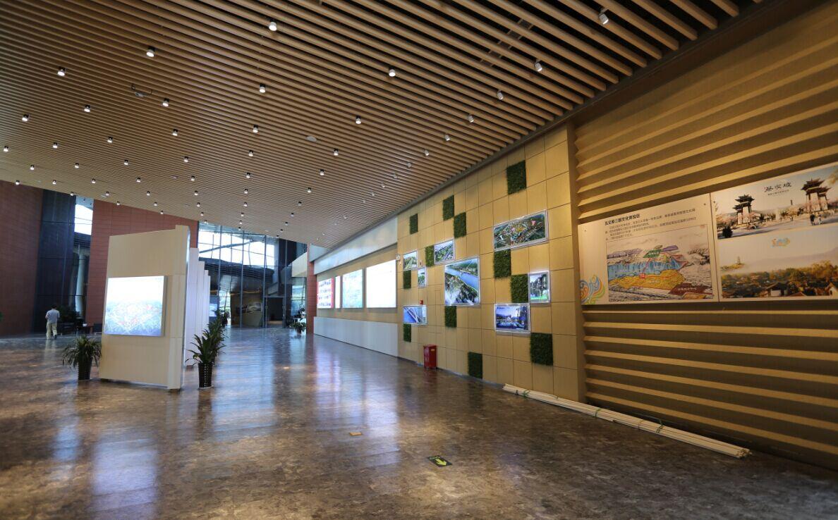 由陕建一建集团装饰公司设计施工的蔡家坡城市展示中心室内装饰项目